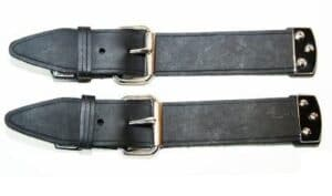 356  BONNET STRAPS BLACK LEATHER